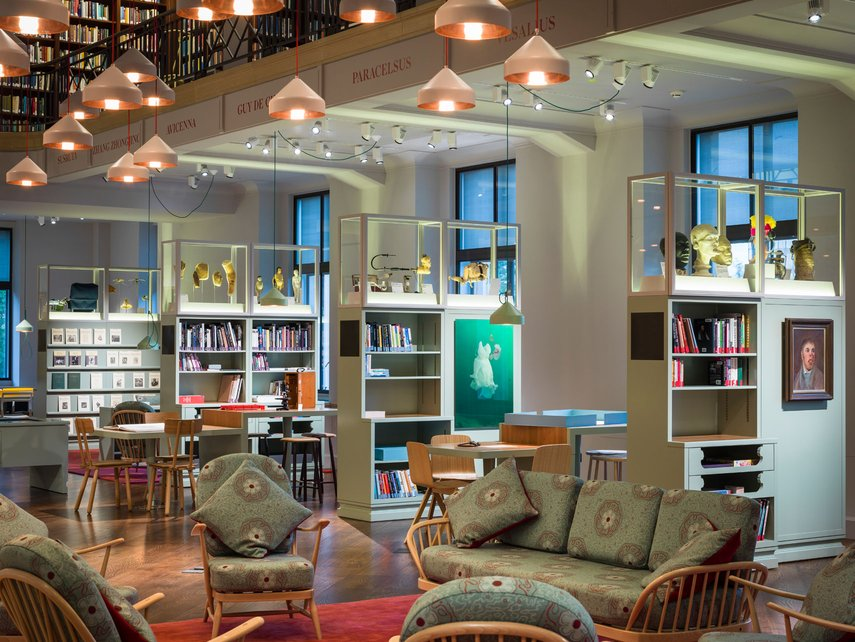 Writers Desk - Wellcome library - Sophie Swithinbank