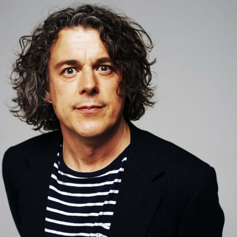 Alan Davies headshot square